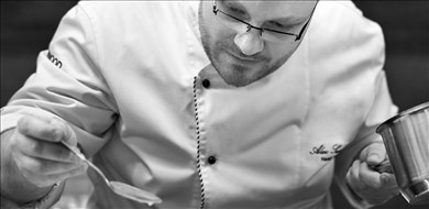 Chef Alex - Villas with Pools in Crete, Corfu & Paros | Handpicked by Alargo