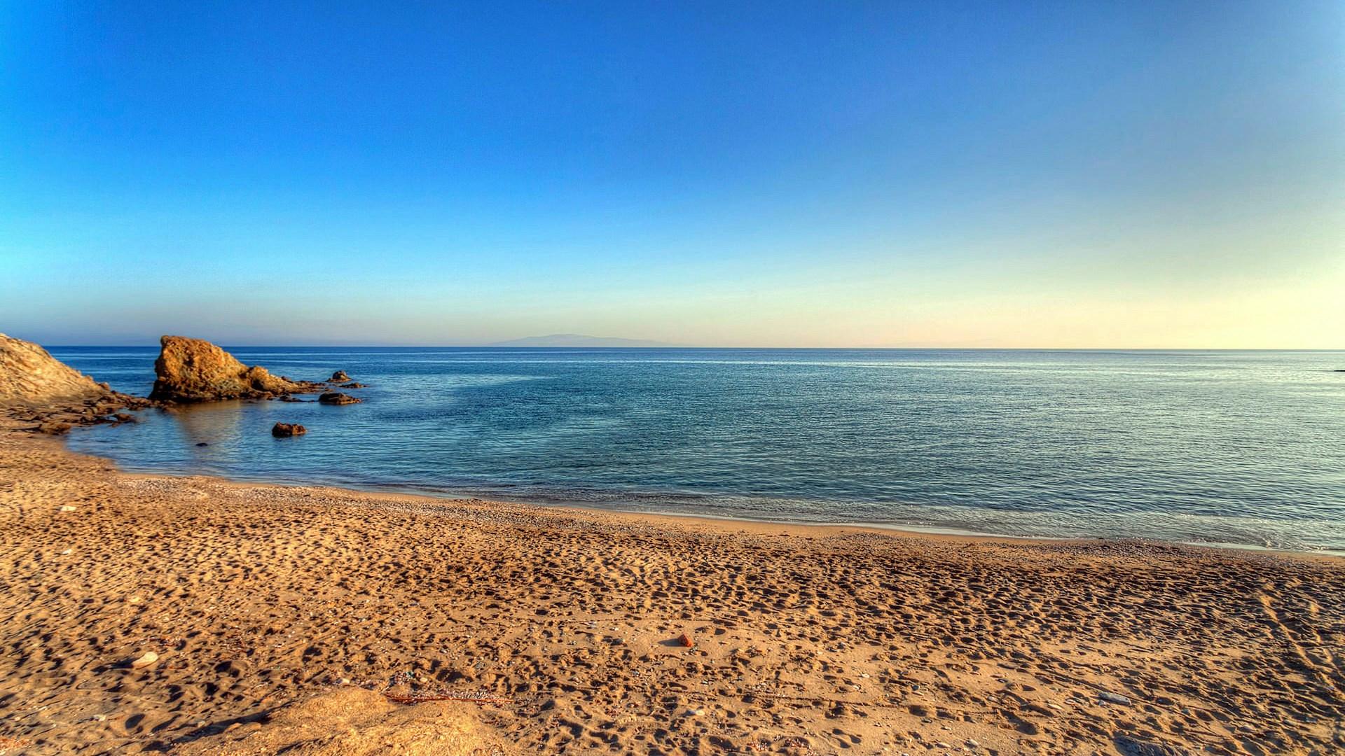 Lolantonis Beach, Paros | 26 Feb 2017 | Alargo
