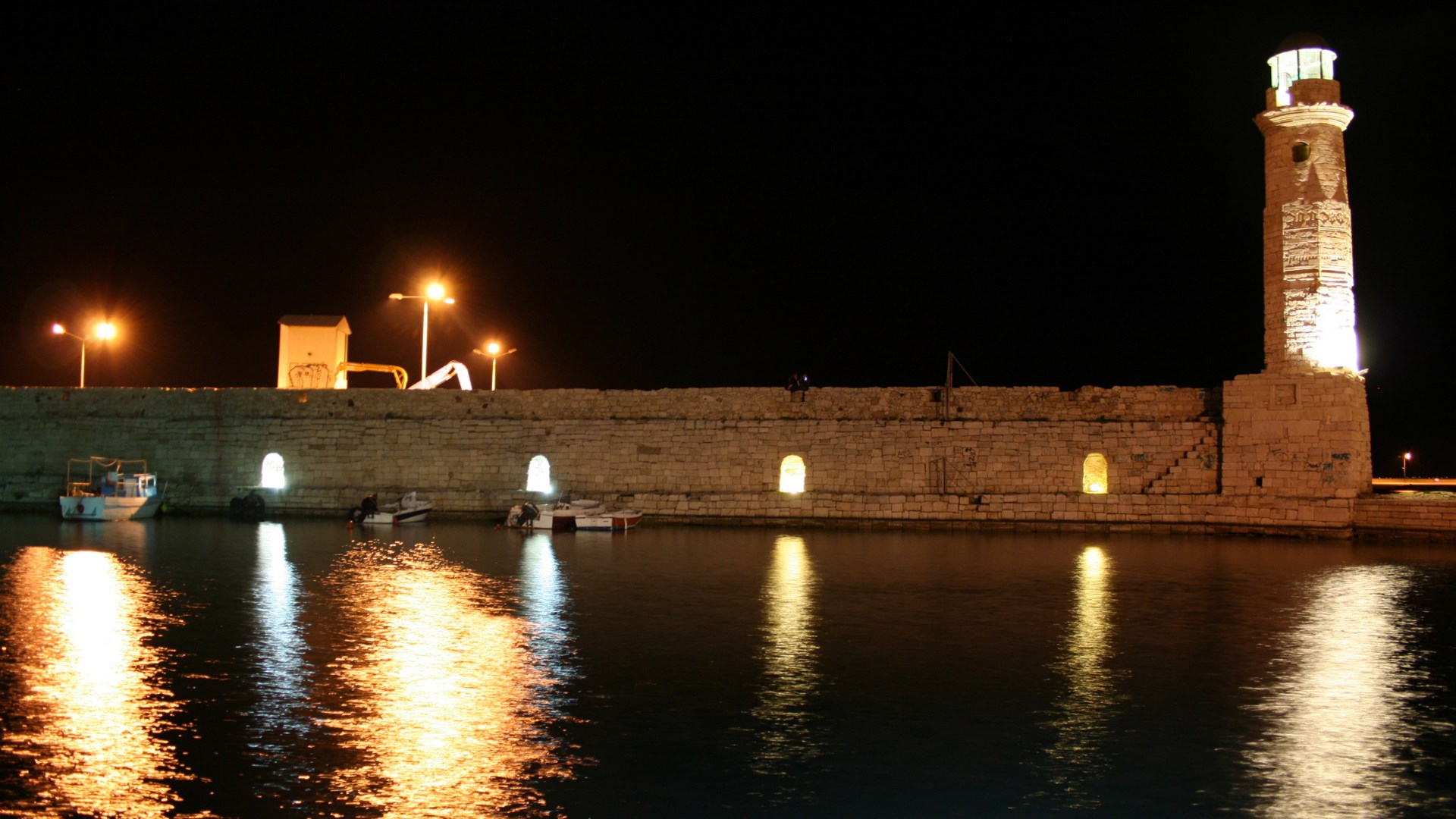 Rethymnon's Lighthouse | 09 Sep 2014  | Alargo