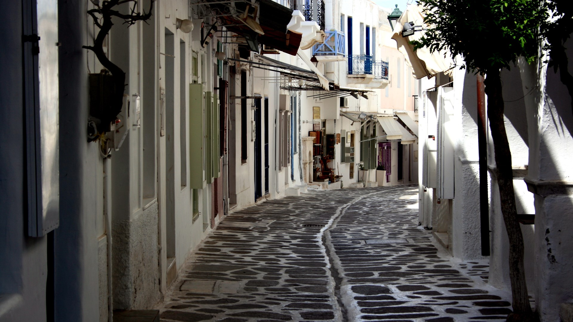 The Magical Alleys of Paros, Cyclades – Greece | 24 Sep 2014  | Alargo