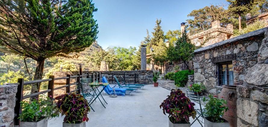 milia-double-room-7-milia-kissamos-chania-1 - Villas with Pools in Crete, Corfu & Paros   Handpicked by Alargo