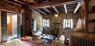 Milia Suite Room 1 - Villas with Pools in Crete, Corfu & Paros | Handpicked by Alargo
