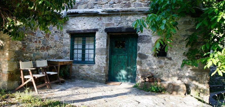 milia-suite-room-3-milia-kissamos-chania-1 - Villas with Pools in Crete, Corfu & Paros   Handpicked by Alargo