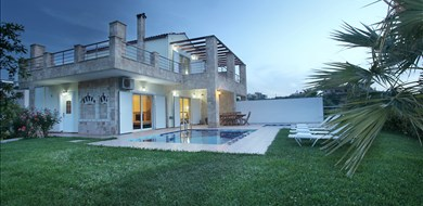Elma Villa - Villas with Pools in Crete, Corfu & Paros | Handpicked by Alargo