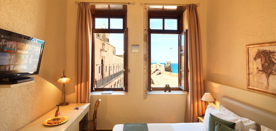 standard-double-with-view-alcanea-room-ii-old-town-chania-crete-1 - Villas with Pools in Crete, Corfu & Paros | Handpicked by Alargo