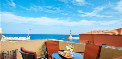 superior-double-with-balcony-alcanea-room-vi-old-town-chania-crete-1 - Villas with Pools in Crete, Corfu & Paros | Handpicked by Alargo