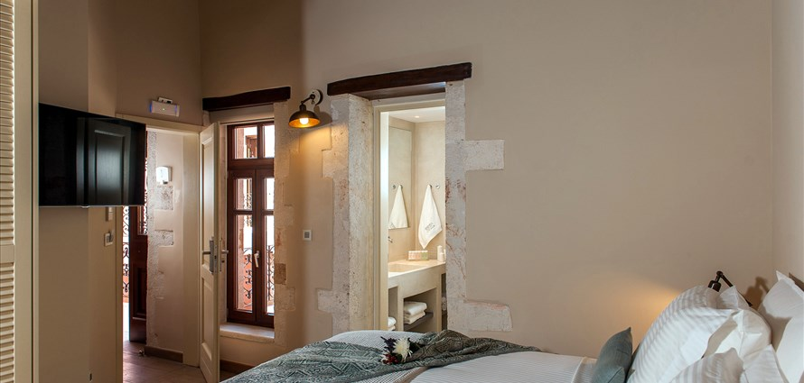 superior-room-serenissima-hotel-old-town-chania-crete-1 - Villas with Pools in Crete, Corfu & Paros | Handpicked by Alargo