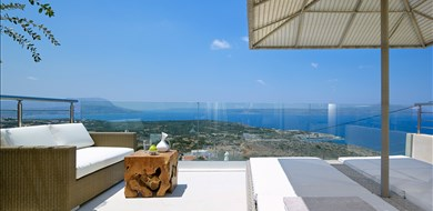 apoi-villa-kokkino-chorio-apokoronas-chania-1 - Villas with Pools in Crete, Corfu & Paros | Handpicked by Alargo