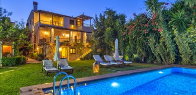 arhontariki-villa-kaliviani-kissamos-chania-1 - Villas with Pools in Crete, Corfu & Paros | Handpicked by Alargo