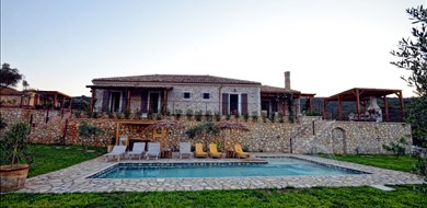 Fioretta Traditional Villa - Villas with Pools in Crete, Corfu & Paros | Handpicked by Alargo