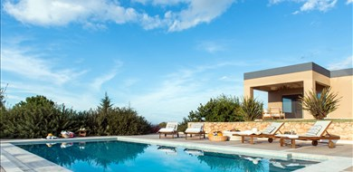 Mariposa Villa - Villas with Pools in Crete, Corfu & Paros | Handpicked by Alargo