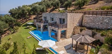 seashore-villa-agios-spyridon-corfu-ionian-islands-1 - Villas with Pools in Crete, Corfu & Paros | Handpicked by Alargo