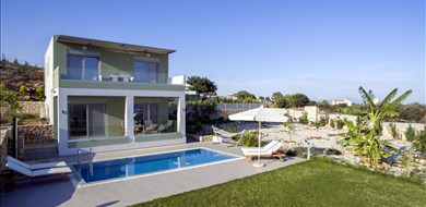 Christina Villa - Villas with Pools in Crete, Corfu & Paros | Handpicked by Alargo