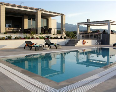 Cawe Villa - Villas with Pools in Crete, Corfu & Paros | Handpicked by Alargo