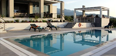 Cawe Villa - Villas with Pools in Crete, Corfu & Paros | Handpicked by Alargo