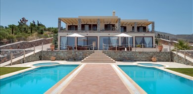 anemomylos-villa-achlada-heraklion-crete-1 - Villas with Pools in Crete, Corfu & Paros | Handpicked by Alargo