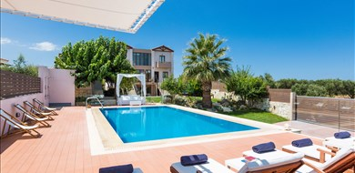 margarita-villa-exterior-episkopi-heraklion-crete-111 - Villas with Pools in Crete, Corfu & Paros | Handpicked by Alargo