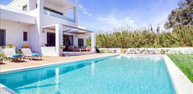 Sea Queen Villa - Villas with Pools in Crete, Corfu & Paros | Handpicked by Alargo