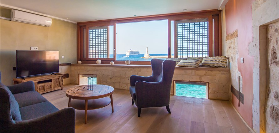 vranas-residenza-second-floor-luxury-suite-with-sea-view-3 - Villas with Pools in Crete, Corfu & Paros | Handpicked by Alargo