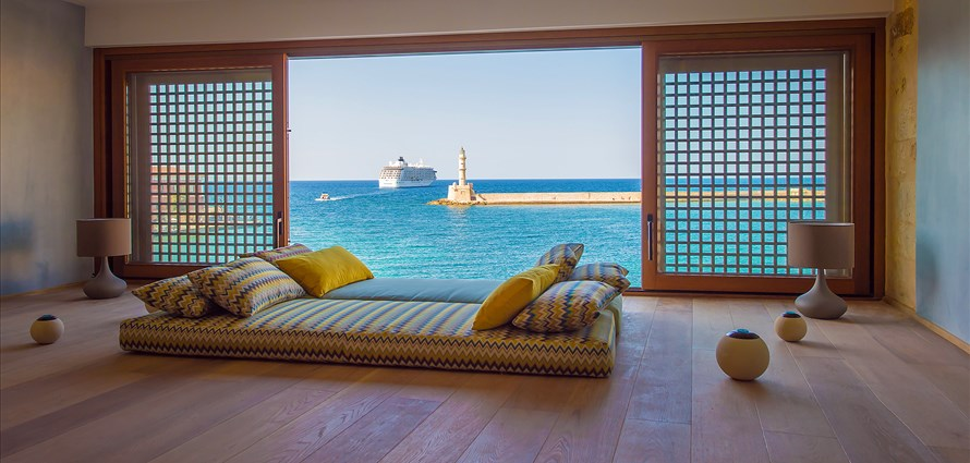 vranas-residenza-third-floor-luxury-suite-with-sea-view-1 - Villas with Pools in Crete, Corfu & Paros | Handpicked by Alargo