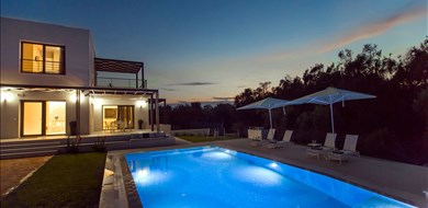 Dione Villa - Villas with Pools in Crete, Corfu & Paros | Handpicked by Alargo