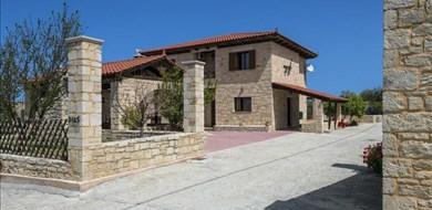 Dias Villa - Villas with Pools in Crete, Corfu & Paros   Handpicked by Alargo
