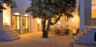 cedar-villa-sifneikos-antiparos-cyclades-islands-1 - Villas with Pools in Crete, Corfu & Paros | Handpicked by Alargo