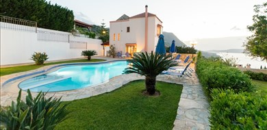 amalia-villa-aptera-chania-crete-1 - Villas with Pools in Crete, Corfu & Paros | Handpicked by Alargo
