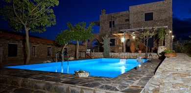 Manousaki Villa - Villas with Pools in Crete, Corfu & Paros | Handpicked by Alargo