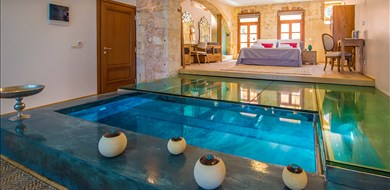 Vranas Residenza Second Floor Luxury Suite - Villas with Pools in Crete, Corfu & Paros | Handpicked by Alargo