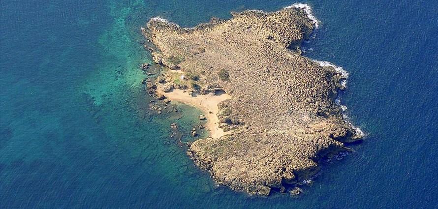 chania-thodorou-maherida-lazareta-ferretti-altura-50f-chania-crete-greece-1 - Villas with Pools in Crete, Corfu & Paros | Handpicked by Alargo