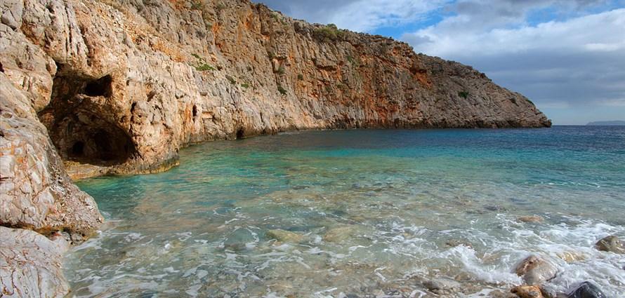 chania-diktina-chironisia-thodorou-ferretti-altura-50f-chania-crete-greece-1 - Villas with Pools in Crete, Corfu & Paros | Handpicked by Alargo